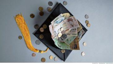 Bourses sociales/Bourses-Université Gaston Berger/Cérémonie de dédicace du livre de Ousmane Cissokho
