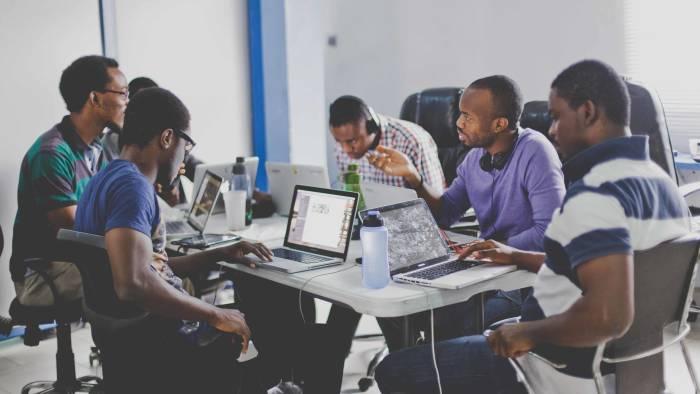 MESRI-HUAWEI/numérique africain/prix Panafricain en Tic/compétences numériquesSeedstars Dakar/programmes numériques/Entrepreneuriat rapide/CTIC-Dakar/BAD/développement par les startups/AfricInvest/start-up/start-up africaines/Concours d'innovation numérique/Euromena Awards lance le concours des startups africaines/20 starups africaines récompensées par la Banque Mondiale/Top 10 des pays africains