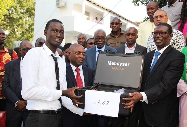 La remise des équipements scientifiques aux universités du Sénégal
