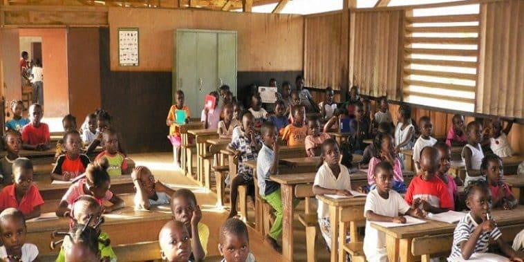 candidats aux examens/FISTKA /curricula de l'enseignement général/Colloque sur l'éducation inclusive/Promotion des sciences/Cfee/Privatisation de l'éducation/enfants à besoins éducatifs spécifiques