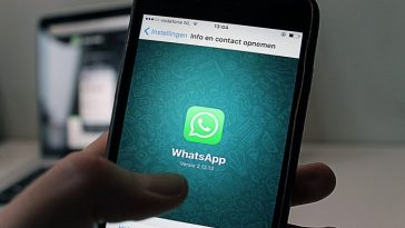 contacts WhatsApp/application WhatsApp/discussions de groupe/Code des communications électroniques