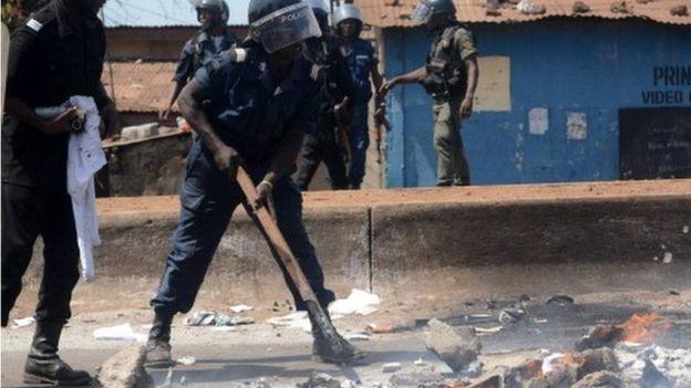 Affrontement à Bambey/Bagarre à l'Université de Bambeye/policiers et étudiants/Mot d'ordre de grève des enseignants