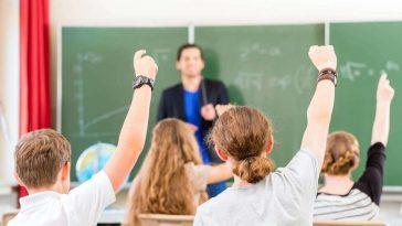 enseignant dans les écoles