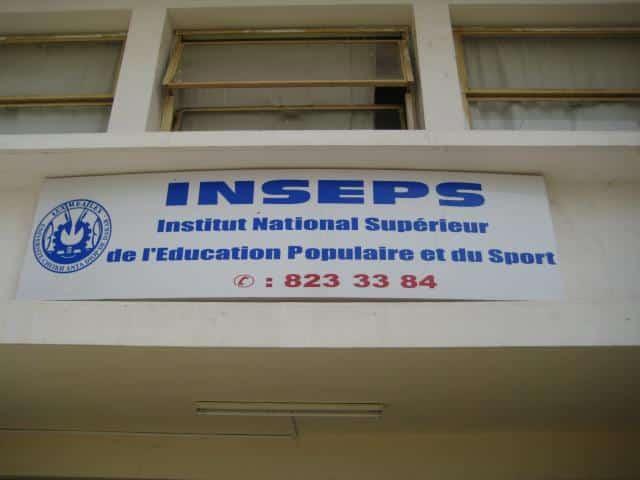 diplômes aux sortants de l'INSEPS