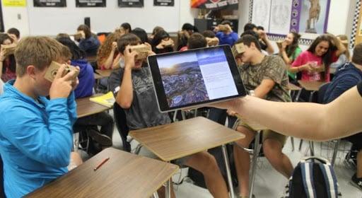 Éducation intelligente et technologies artificielles