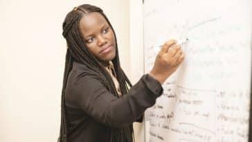 Adji Bousso Dieng professeure en IA