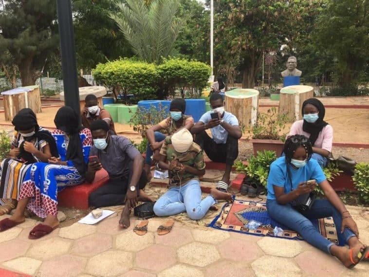 Grève de faim des étudiants sanctionnés de l'UCAD: 2 filles évacuées au service médical